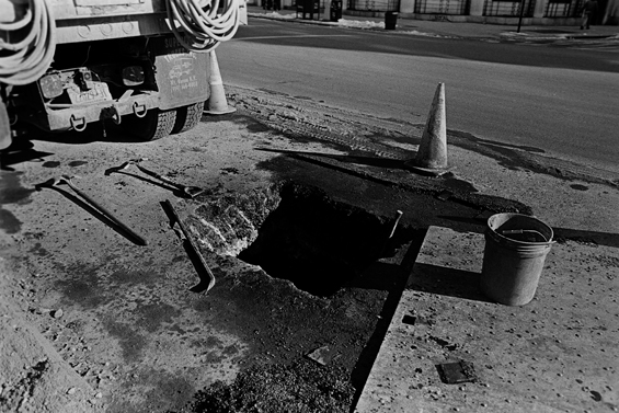 hole_in_street_dec08